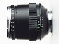 Lens Carl Zeiss Sonnar T* 85 mm f/2 ZM