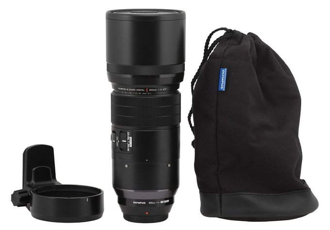Olympus M.Zuiko Digital 300 mm f/4.0 ED IS PRO - Build quality and image stabilization