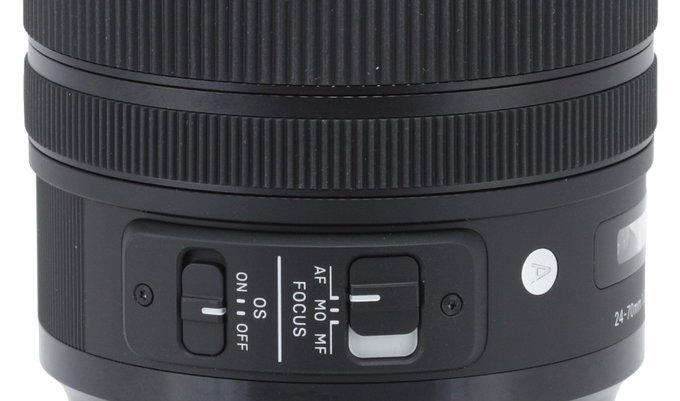 Sigma A 24-70 mm f/2.8 DG OS HSM - Build quality and image stabilization