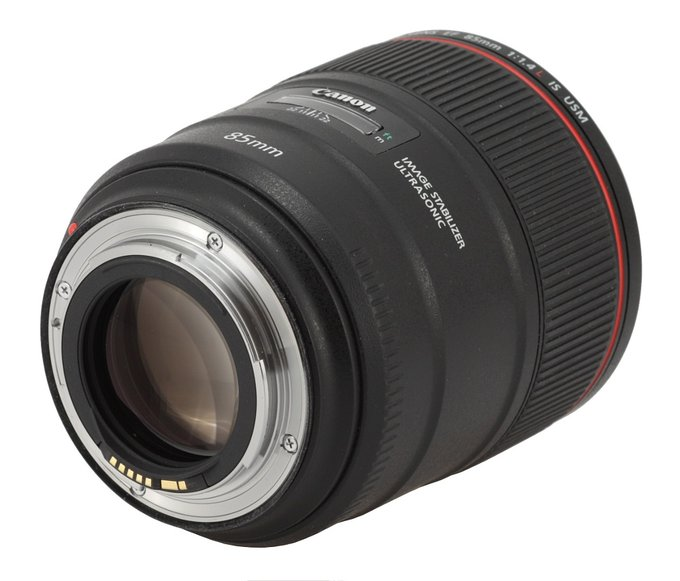 Canon EF 85 mm f/1.4L IS USM - Build quality and image stabilization