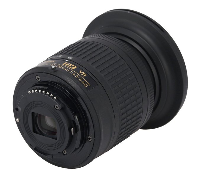 Nikon Nikkor AF-P DX 10-20 mm f/4.5-5.6G VR - Build quality and image stabilization