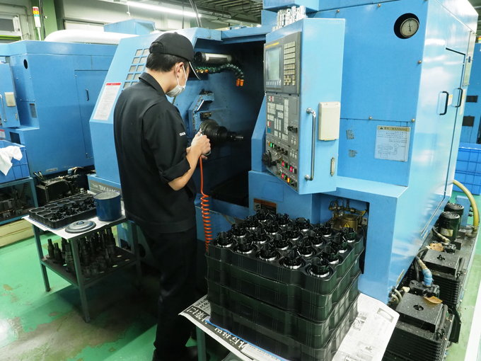 A trip to Sigma lens factory in Aizu - Metal processing