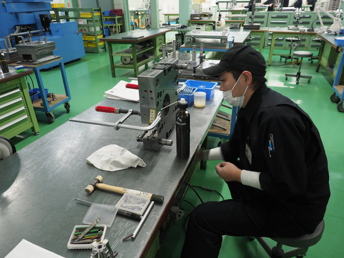 A trip to Sigma lens factory in Aizu - Presses