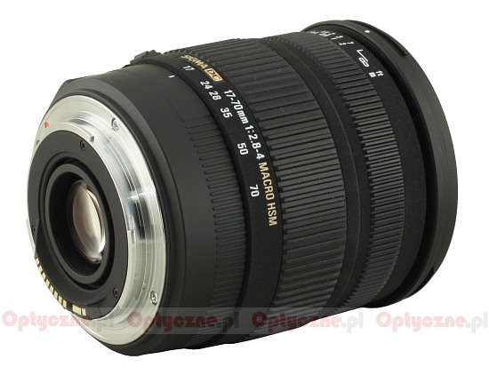 Sigma 17-70 mm f/2.8-4.0 DC Macro OS HSM - Build quality and image stabilization