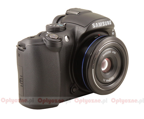 Samsung NX 30 mm f/2.0 - Introduction