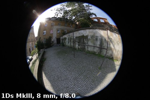 Canon EF 8-15 mm f/4 L Fisheye USM - Ghosting and flares